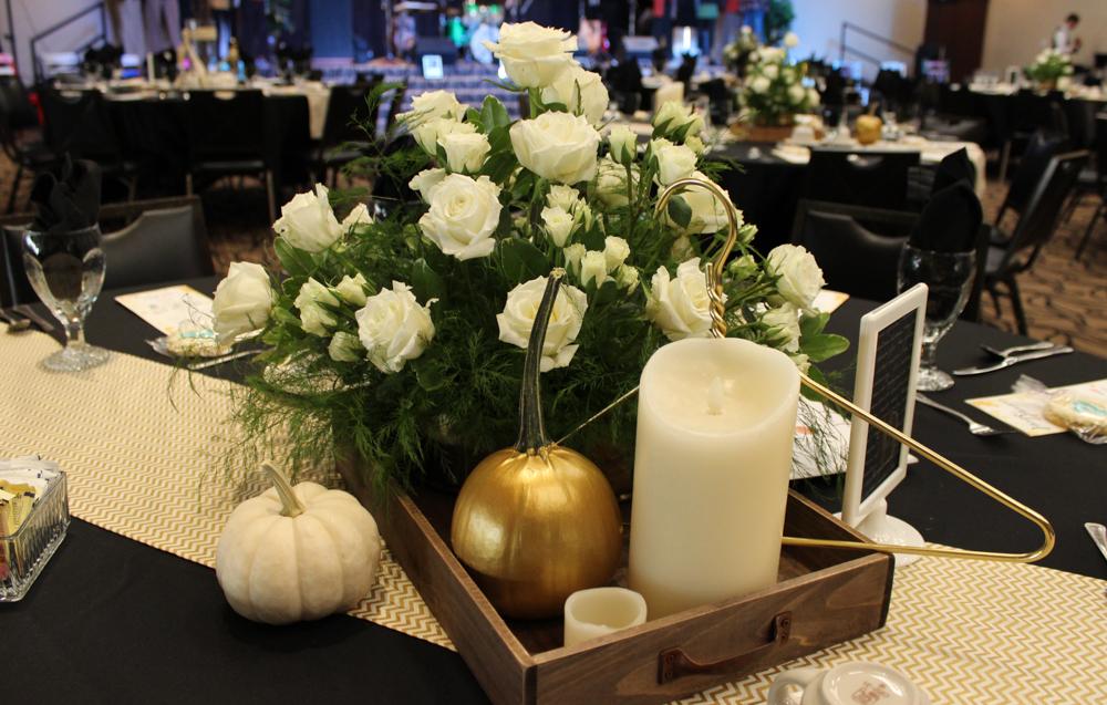 Hangers table arrangement 3 (1 of 1)