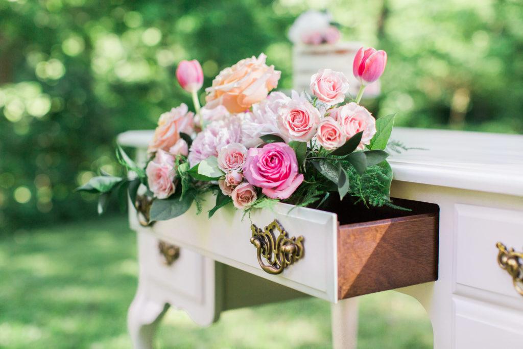 roses, peonies, tulips, lisianthus, pink flowers, white flowers, peach flowers, spring flowers