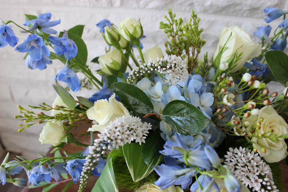 blue flowers, white flowers, blue and white wedding, hydrangea, rose, delphinium