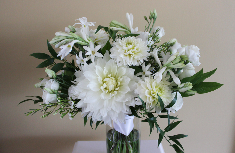 wedding flowers, white flowers, dahlias, tuberose, lisianthus