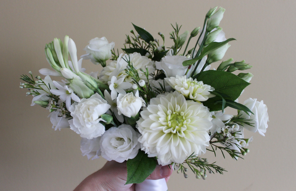 white flowers, white wedding, summer wedding
