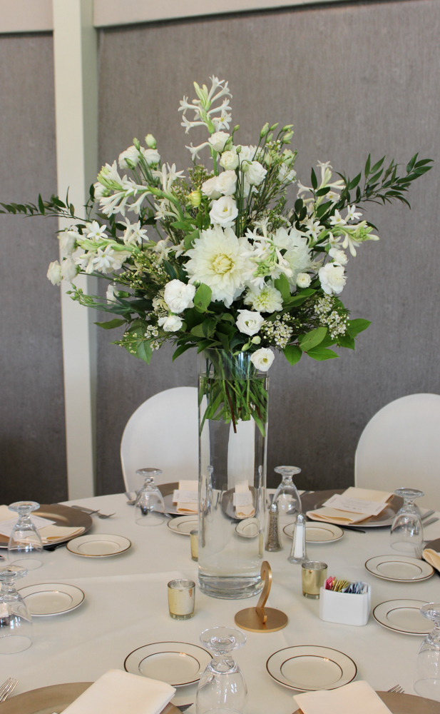 table arrangement, centerpiece, white flowers