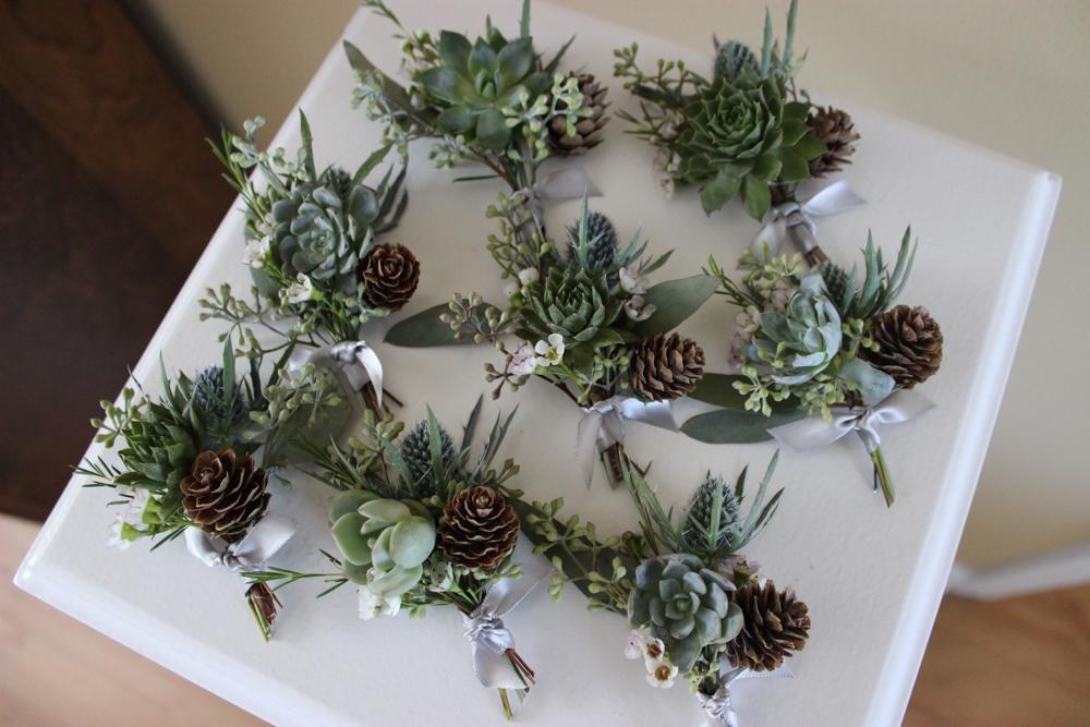 succulent boutonnieres, evansville wedding