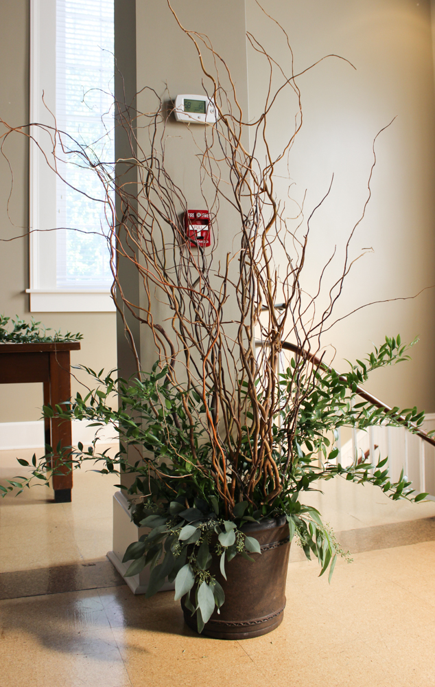 curly willow branches, large pot, urn, ceremony decor
