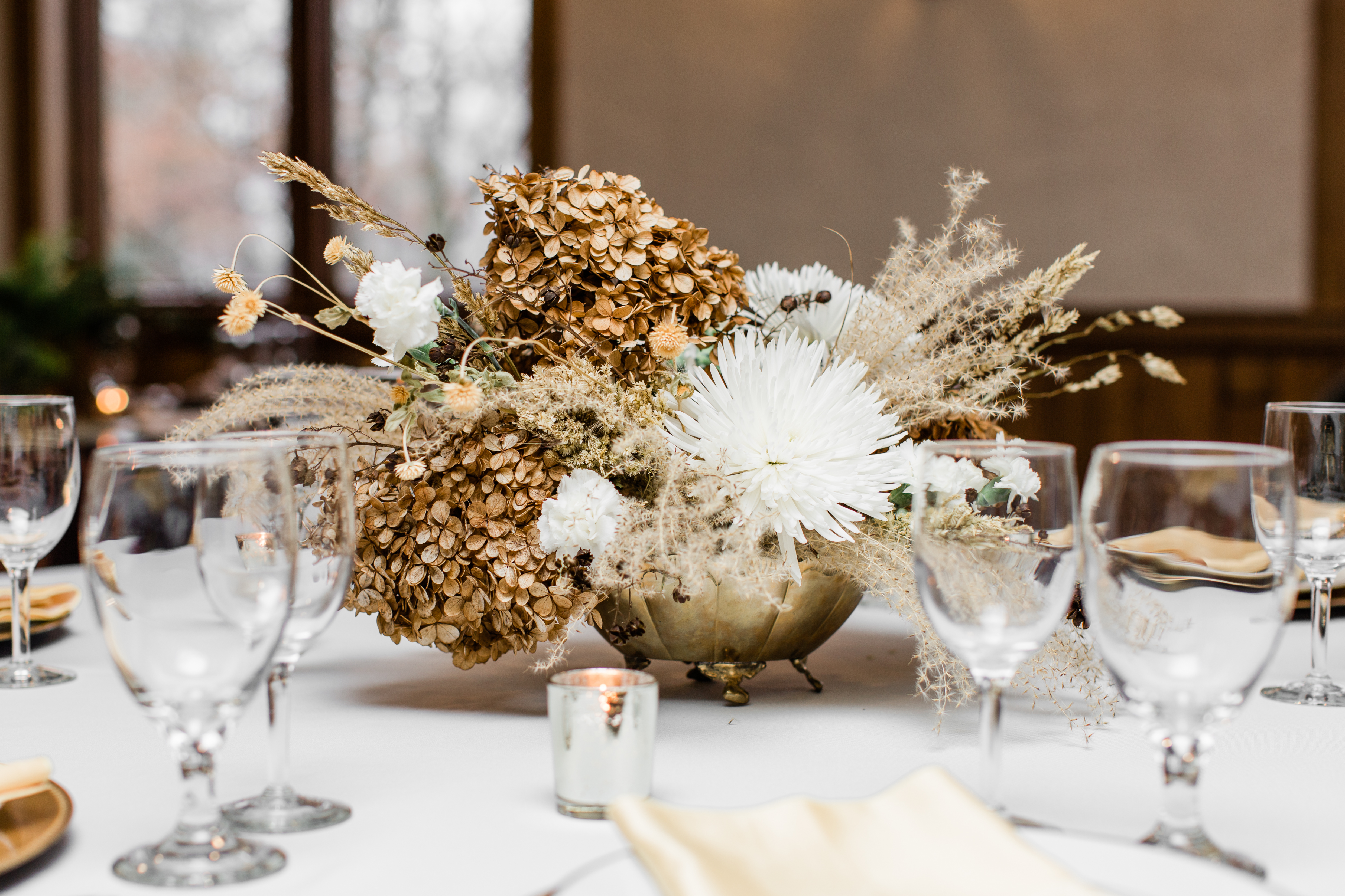 winter flowers, dried flowers, white flowers, evansville florist, evansville indiana, evansville weddings