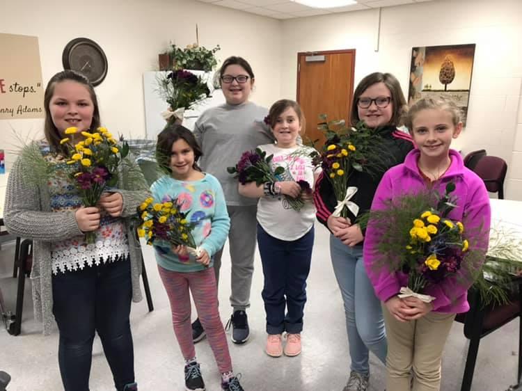 Girl Scout, Junior Flowers Badge, John H Castle Elementary, Newburgh indiana, Evansville indiana, evansville florist, flower class