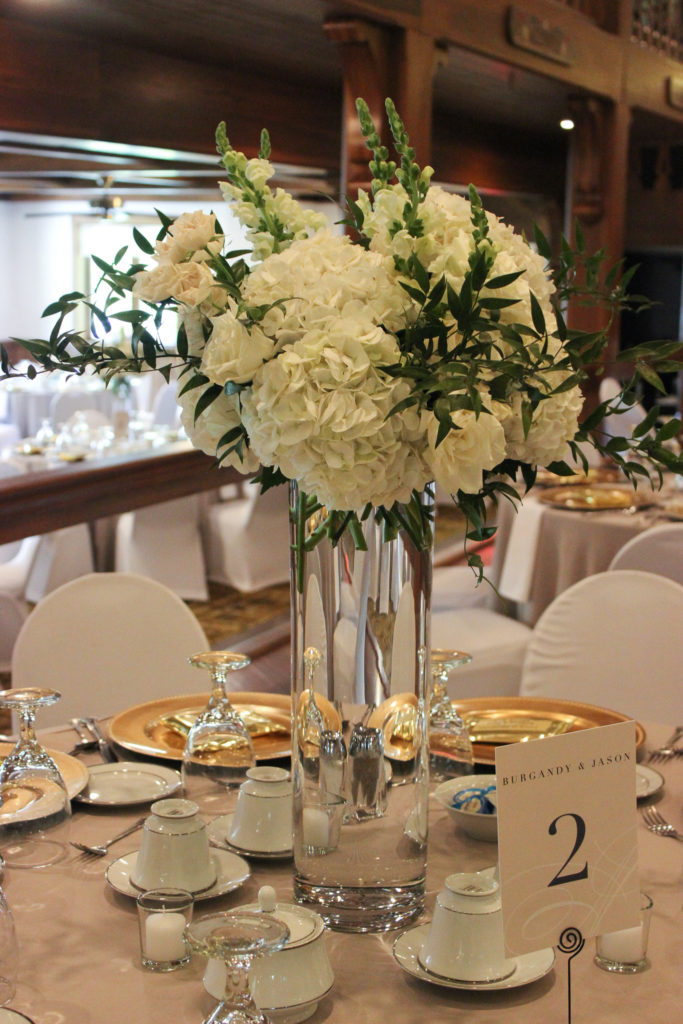 white flowers, hydrangea, white wedding, evansville wedding