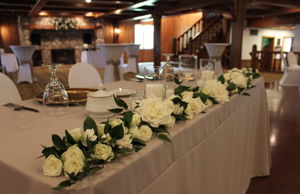 white wedding, white wedding flowers, sweetheart table, head table decor, evansville florist