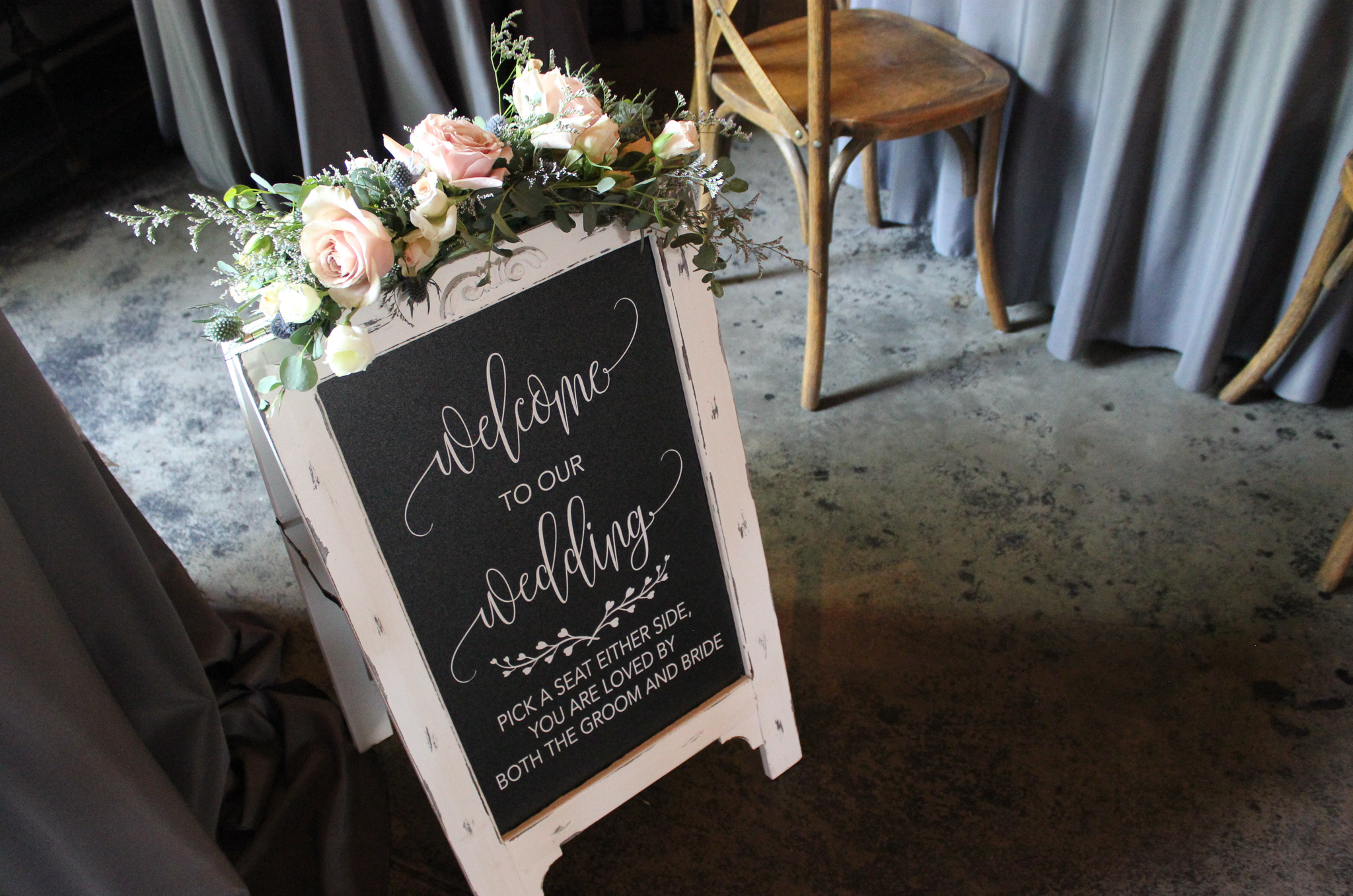 newburgh indiana wedding, evansville florist, entry sign, wedding decor