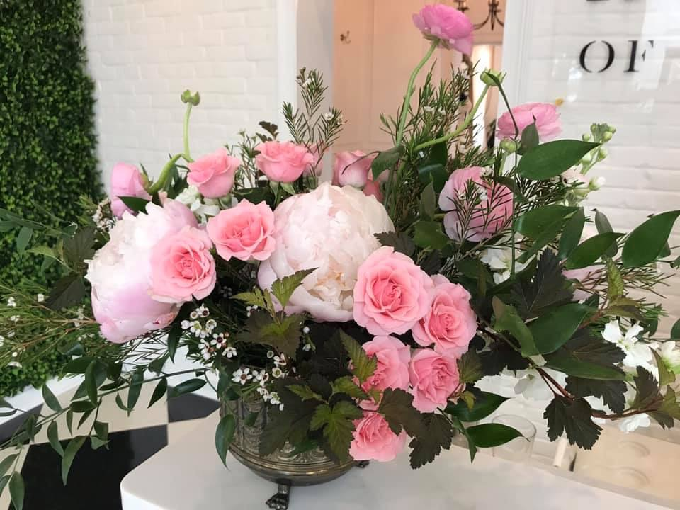 floral arrangement, spring flowers, large flower arrangement, pink flowers, peonies, roses, spring flowers