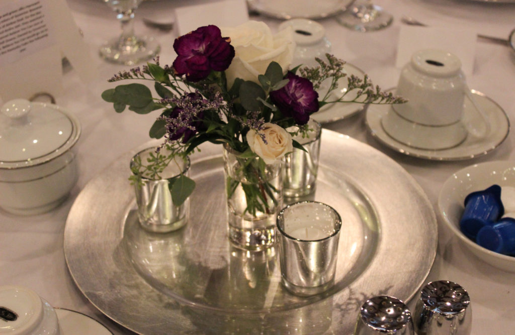 simple bud vase and candle centerpiece