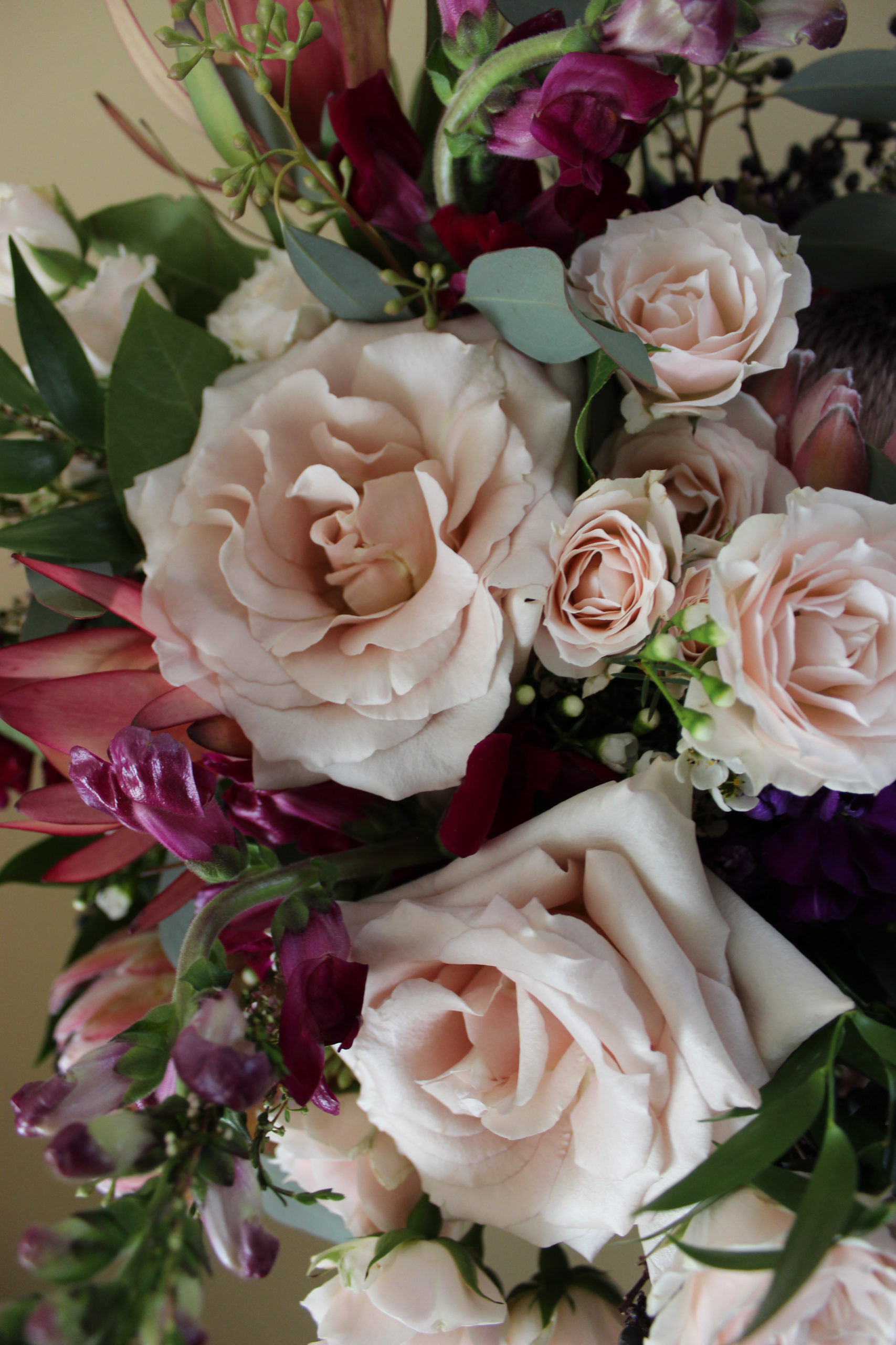 blush and burgundy flowers for an evansville wedding