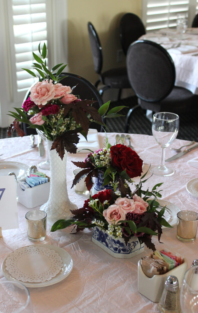 centerpiece by evansville florist emerald design for a wedding at evansville country club
